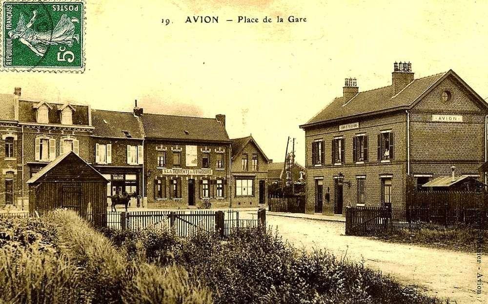 CP gare d'Avion (coté cour, le depôt et le pont de pierre