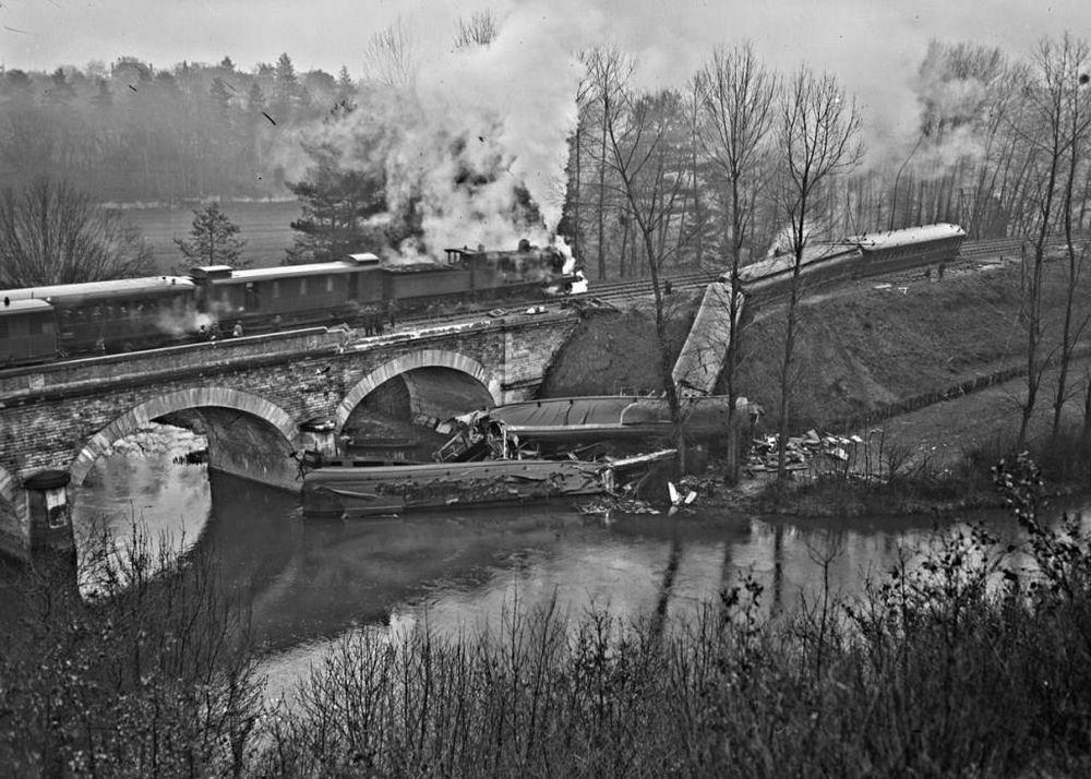 Accident ferroviaire du 21 novembre 1930 - Sur la ligne Angers-Nantes, après Ancenis, à Oudon (Loire-Atlantique)
