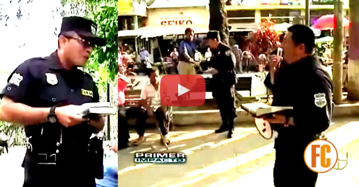 Profession ? Policiers. Leur meilleure arme ? La Bible ! Ca se passe au Salvador, en Amérique Centrale. (photo : YouTube, capture d'écran)