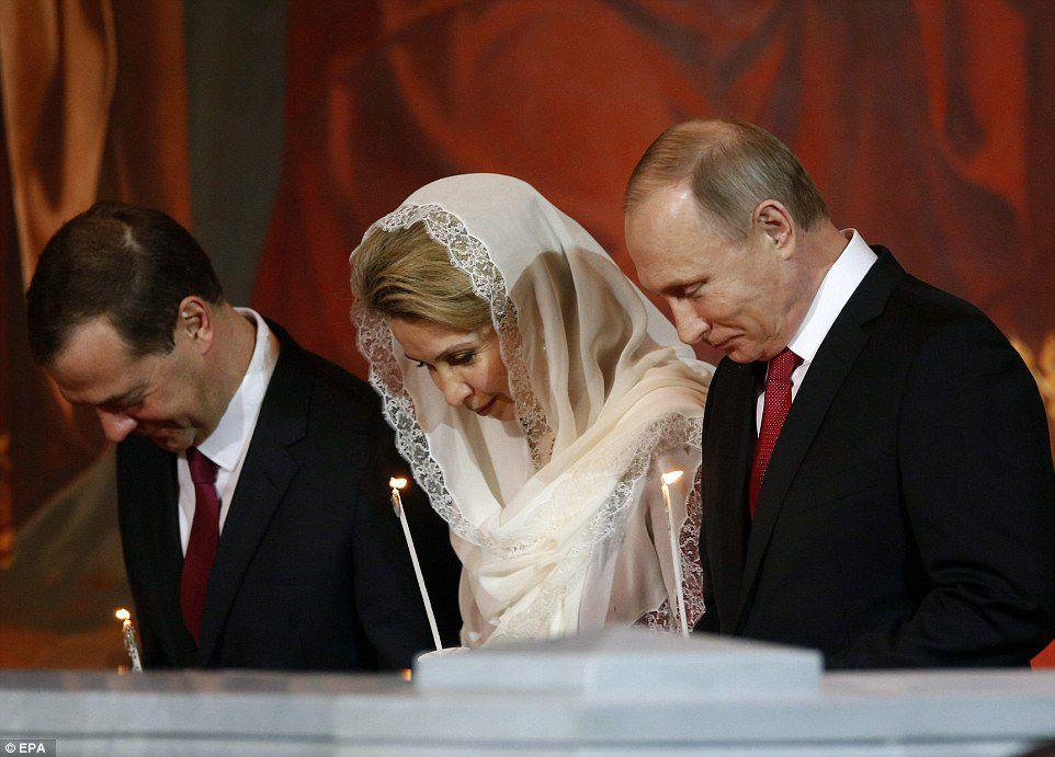Poutine souhaite évoquer que la foi en Dieu est une tradition millénaire russe . (photo : EPA)