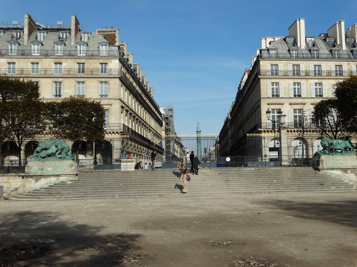 Paris - Le Jardin des Tuileries – Le Terrasse de Feuillants et l'Esplanade des Feuillants.