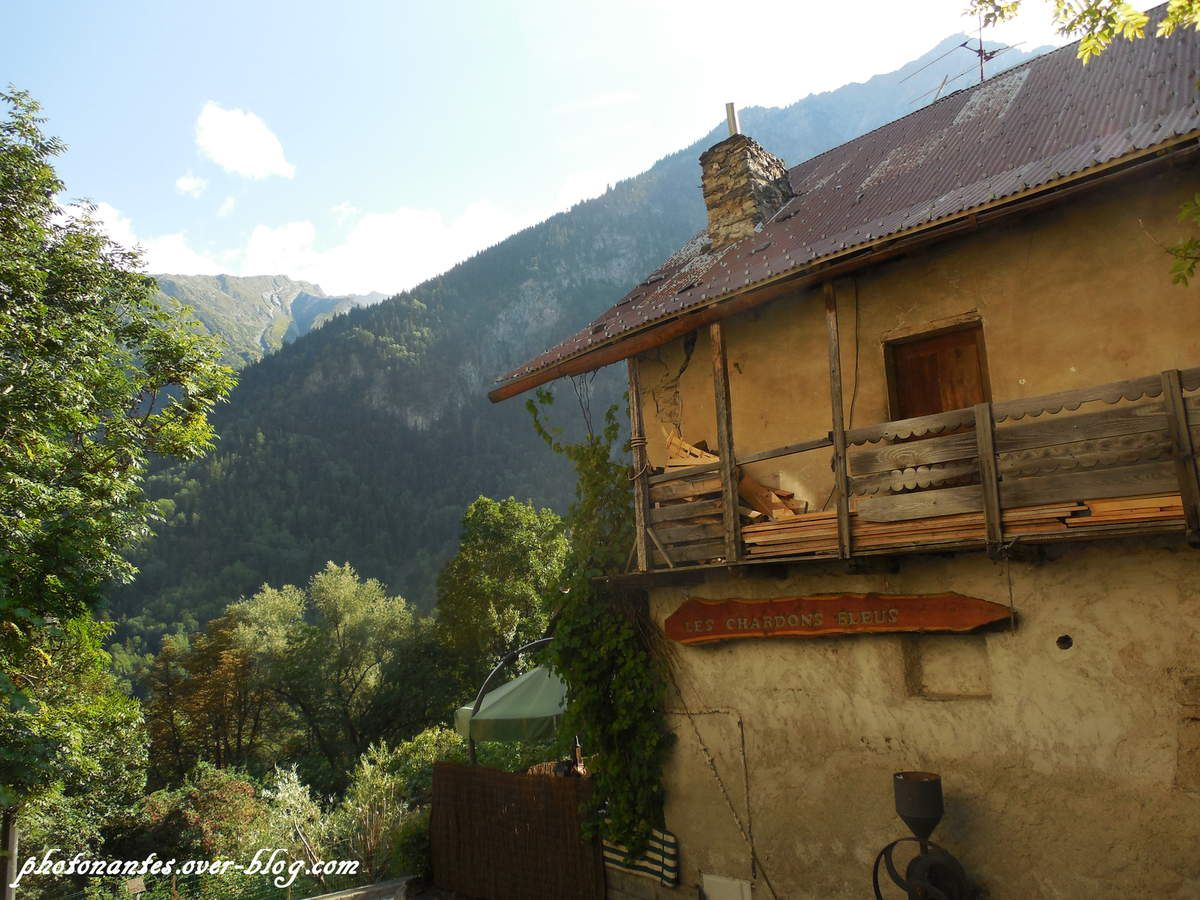 Le village de Venosc, situé en contrebas des 2 Alpes