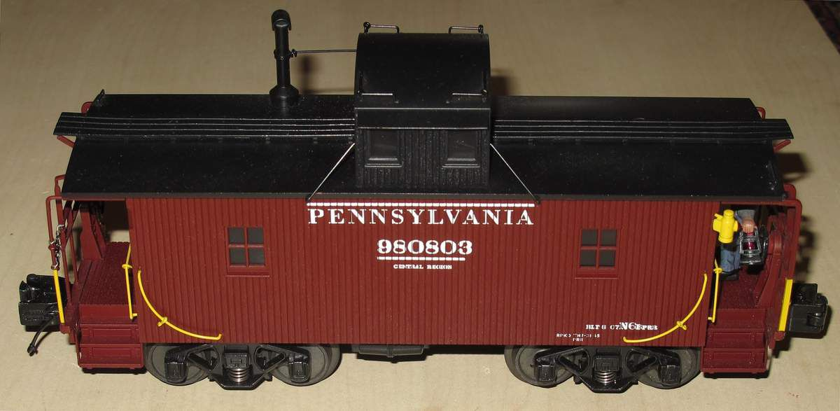MTH PREMIER N-6b Caboose with Operating Signal Man