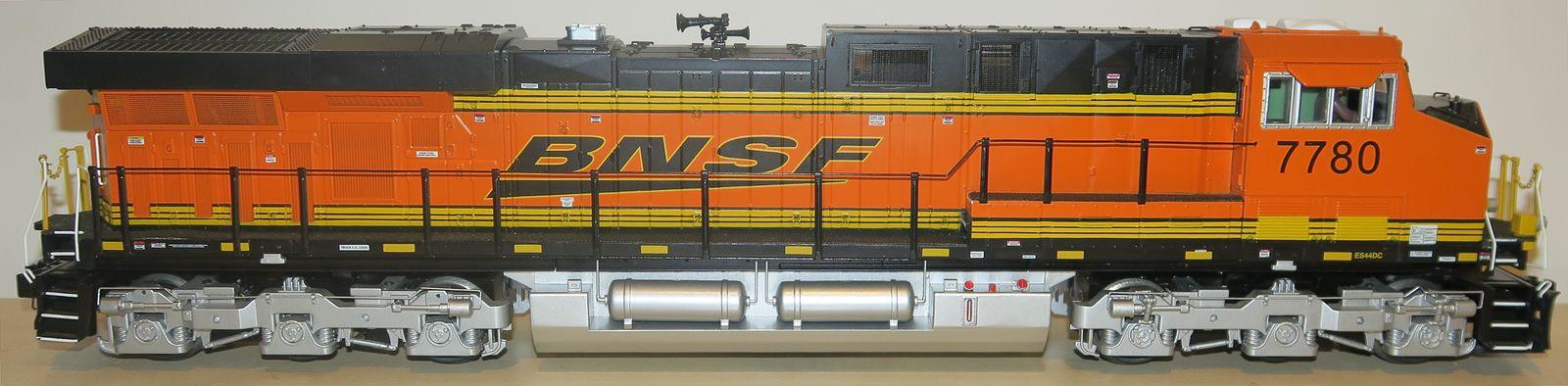 BNSF Freight Yard – 3GS21B Genset