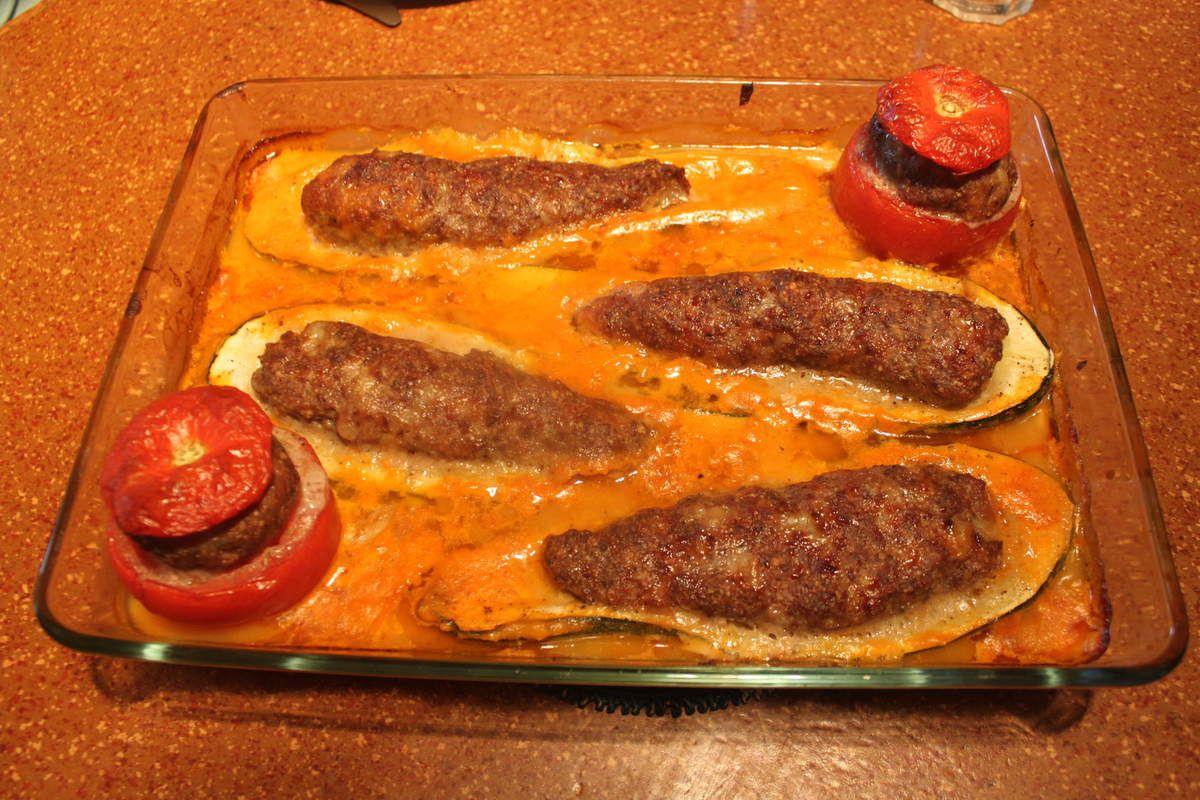 Courgettes et tomates farcies à la viande.