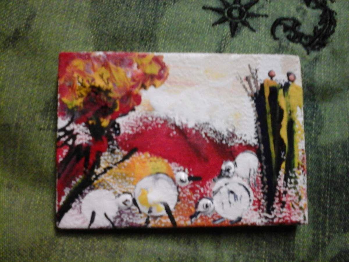 """""""  POULES EN VADROUILLE """"  N° 4 Peinture gouache sur bois.  8 cm x 5,5"""