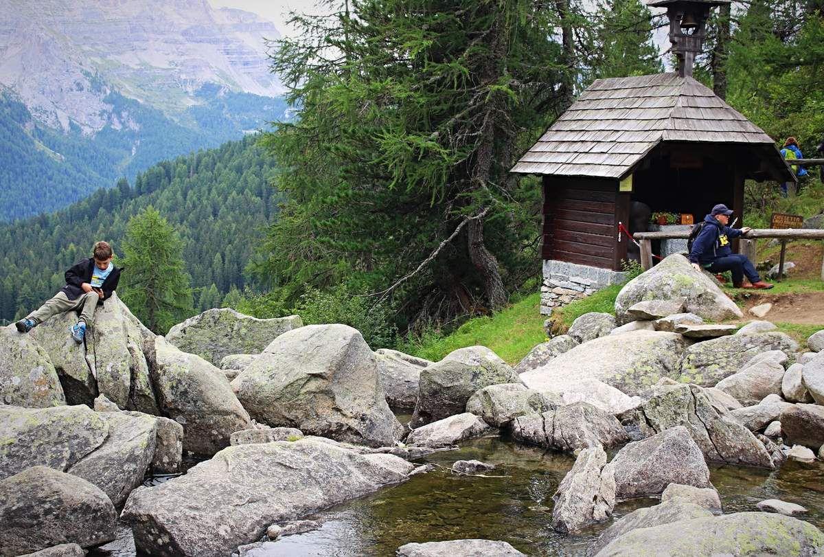 Du refuge de l'Ours Brun au lac Malghette