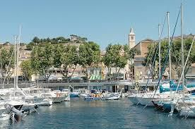 L'Estaque, village 16° arrondissement de Marseille où je suis née et vécu la plus grande partie de ma vie.