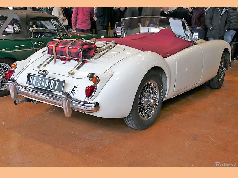 Exposition des voitures anciennes de l'ABA44 aux 20 ème Puces & Exposition Autos-Motos de la Beaujoire du dimanche 13 Janvier 2019 .