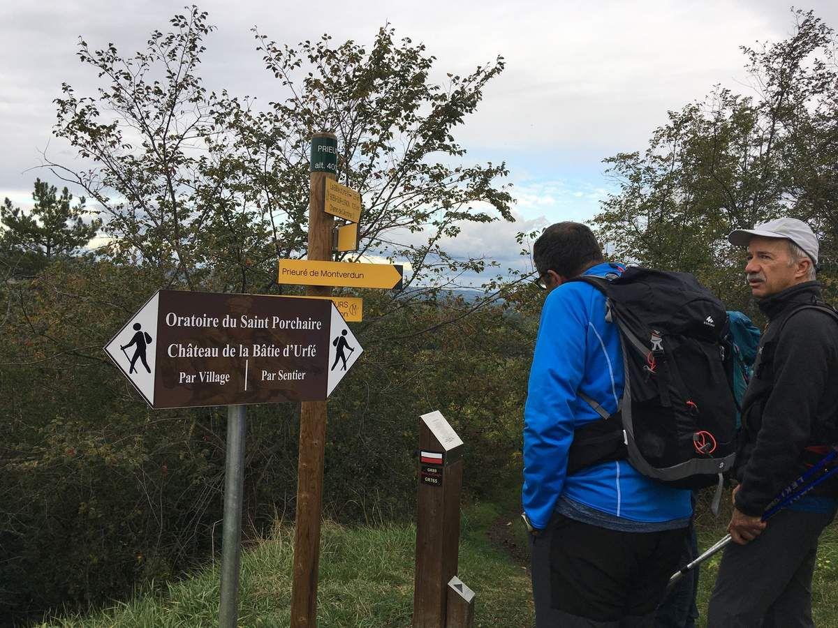 Le pic de Montverdun et la batie d'Urfé