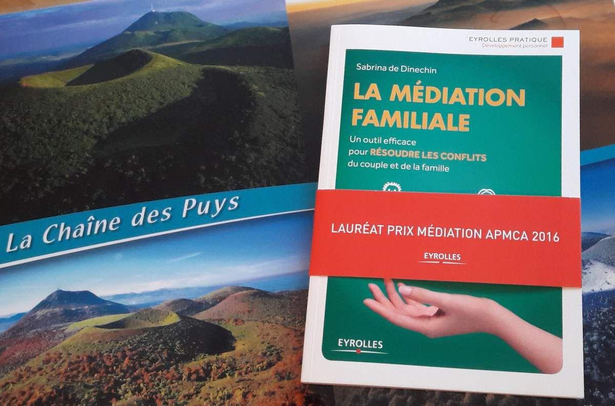 """Le Prix du Livre en Médiation APMCA 2016  a été décerné à Sabrina de Dinechin pour son ouvrage """" La médiation familiale """" aux Editions Eyrolles."""