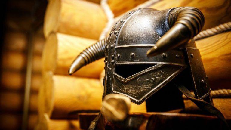 Ce casque, trouvé près de la dépouille, était celui d'une chef viking.