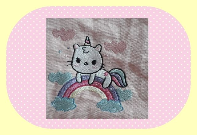 Broderie machine gratuite chat licorne