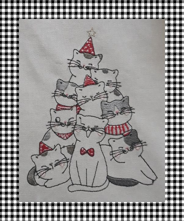 Broderie machine gratuite sapin chats