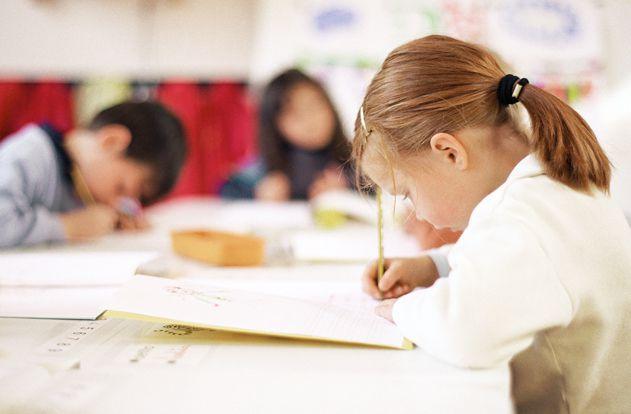 """""""J'enseigne en CP, je ne suis pas convaincu par les classes de 12 élèves""""..."""