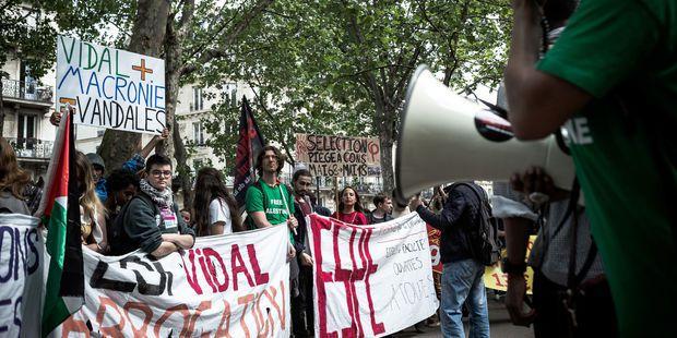 Arago: comment l'arsenal législatif réprime les mouvements sociaux et étudiants...