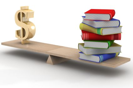 Un étudiant non boursier de 20 ans en licence à l'université, ne vivant plus chez ses parents, devra débourser en moyenne 2 285 euros pour la rentrée.