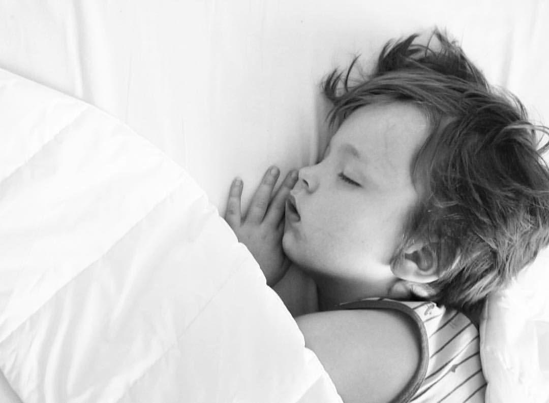 Celui qui dort comme un bébé...