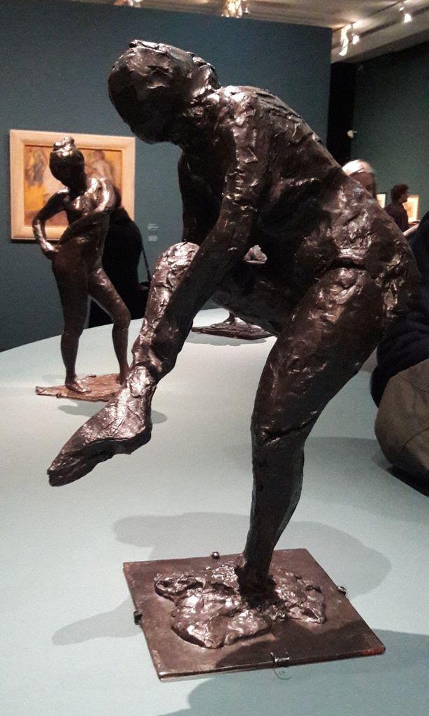 Degas Danse Dessin. Des coups de crayon dans la modernité