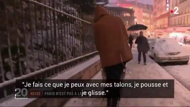 Neige et verglas : Une mère de famille montre sa technique très étonnante pour pousser sa poussette sur les trottoirs verglacés