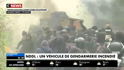 Evacuation de Notre-dame-des-Landes: Regardez les images d'un blindé en feu