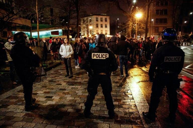Les images de l'intervention de la police cette nuit pour évacuer des étudiants qui se trouvaient à la Sorbonne à Paris