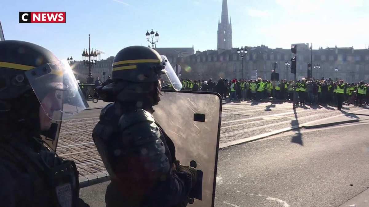 «Gilets jaunes» : Les forces de l'ordre dépassées ?