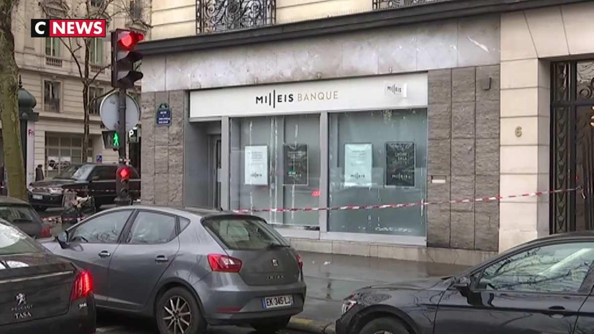 Paris : Une banque braquée près des Champs-Elysées, les suspects en fuite