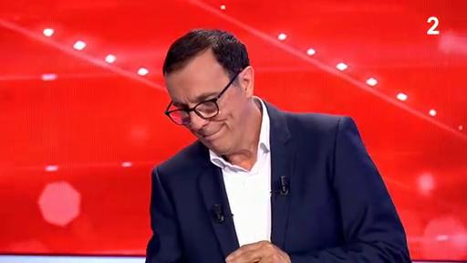 Regardez les adieux de Thierry Beccaro à France Télévisions, ce matin, peu après 11h : Au bord des larmes il met fin à 29 années du jeu Motus