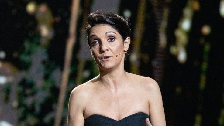 """L'humoriste Florence Foresti répond pour la première fois à Cyril Hanouna qui affirmait qu'elle avait gagné 130.000 euros pour animer les César : """"Voici mon salaire !"""" - Cyril Hanouna a réagit hier soir dans TPMP"""