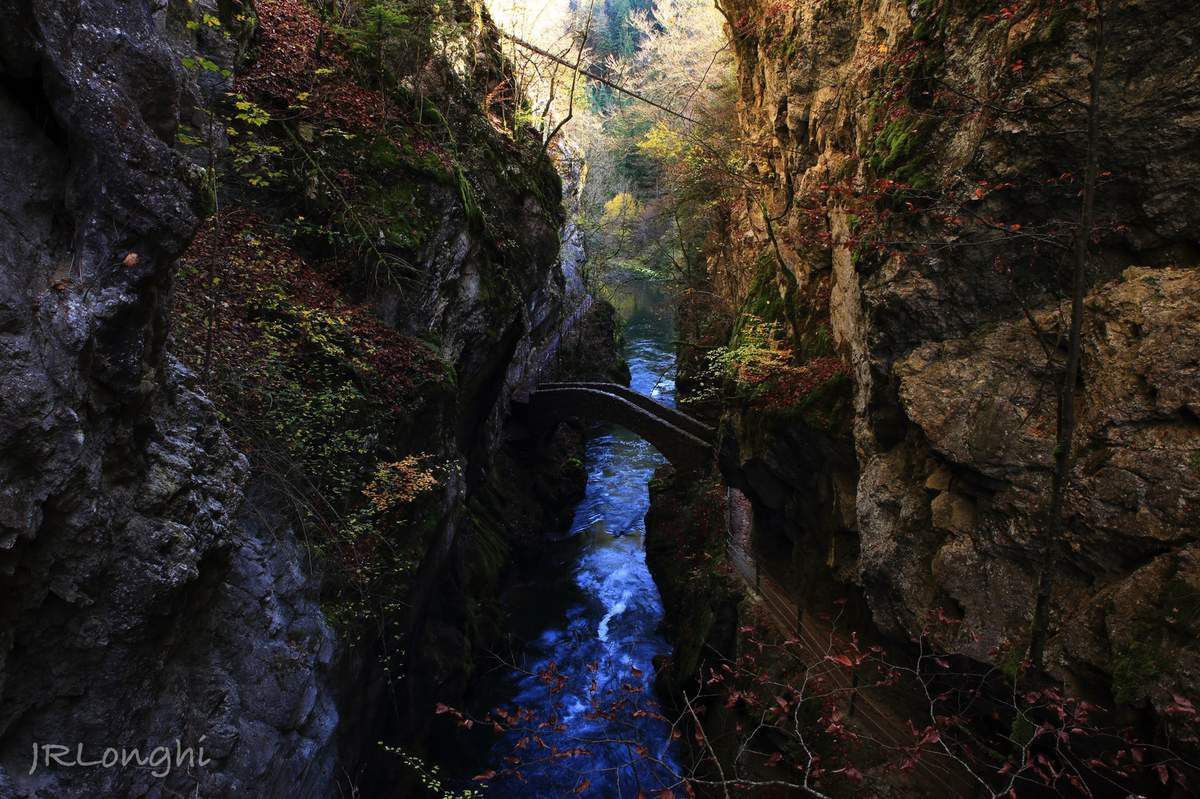GORGES DE L'AREUSE, VAL DE TRAVERS, SUISSE