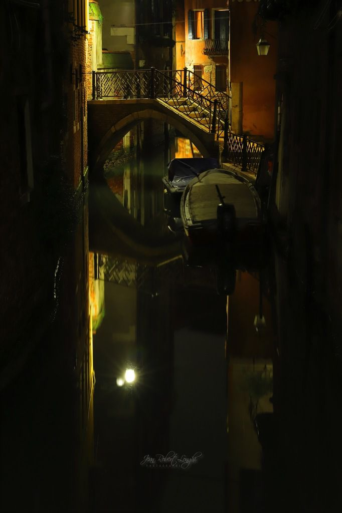 Tra Luce et Oscurità 6 - Rio di San Zanirovo ©2019 Jean-Robert Longhi Photographie non libre de droits
