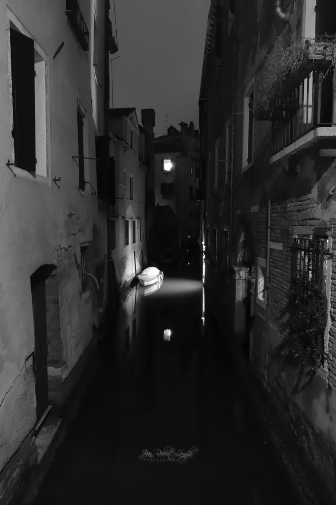 Tra Luce et Oscurità 3 - Rio di San Zanirovo ©2019 Jean-Robert Longhi Photographie non libre de droits