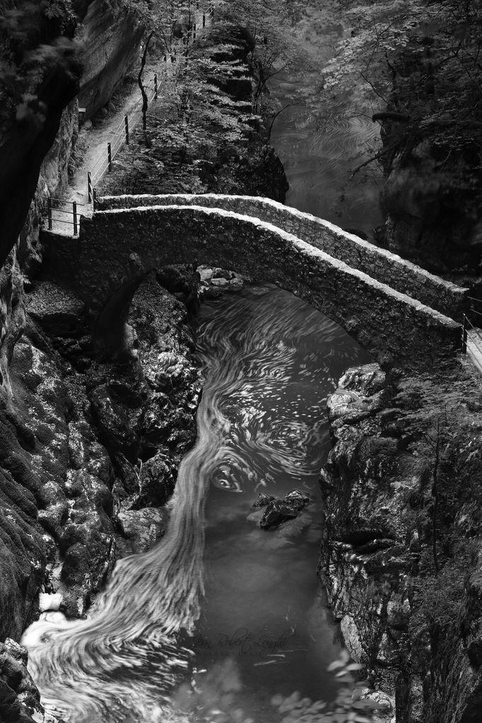 Gorges de l'Areuse - Été 2019 - 3 - ©2019 Jean-Robert Longhi Photographie non libre de droits