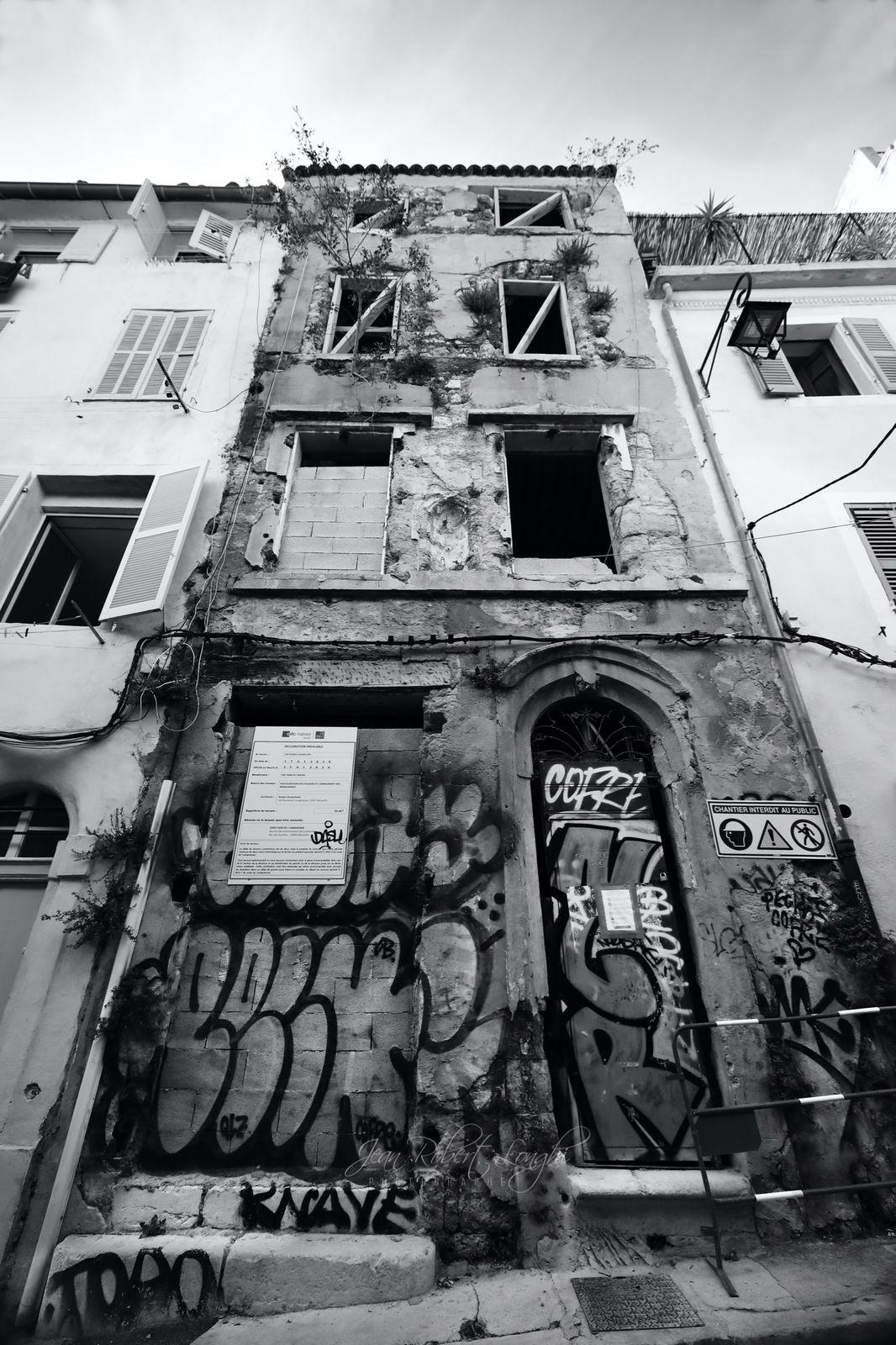 Réhabilitation. Lumière du Sud - Quartier du Panier - 16  ©2020 Jean-Robert Longhi Photographie non libre de droits.