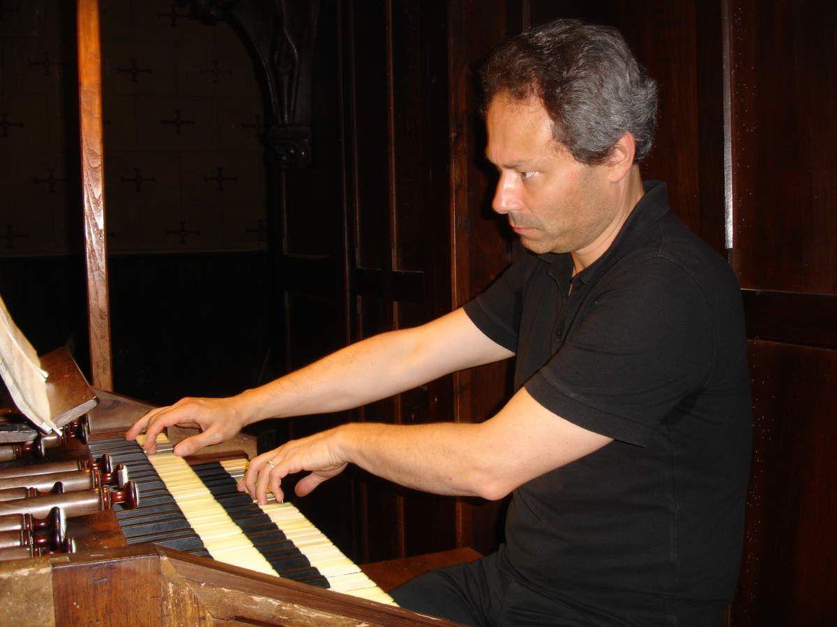 Stéphane BOIS, organiste titulaire de la cathédrale de Mirepoix (Ariège)