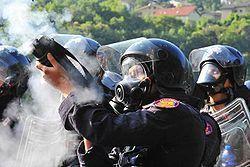 Violenza della polizia sui NO TAV