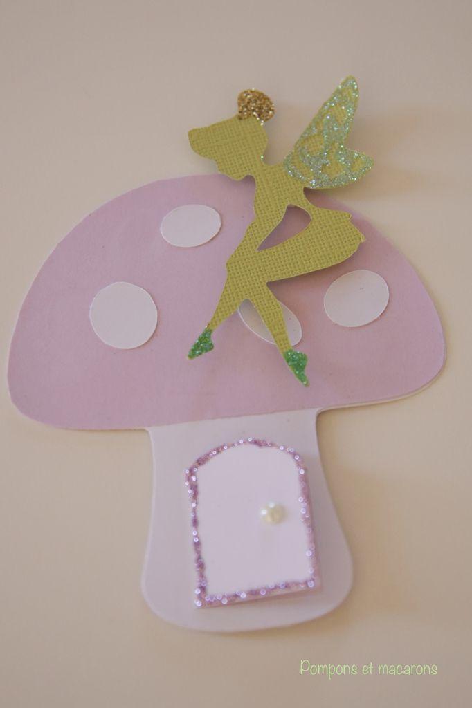 Ninette m'a aidée à coller les petites paillettes sur le chignon, les ailes, et les pieds de Clochette