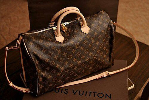 6b694cda6a30 If you are looking for a good online seller for your next purchase of LV  bags