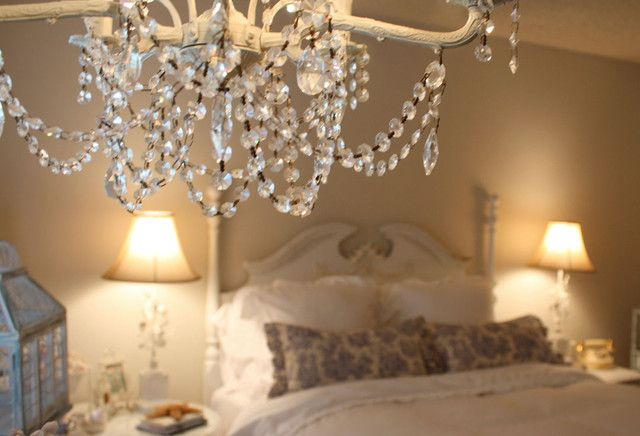 A guide to bedroom lighting with chandeliers