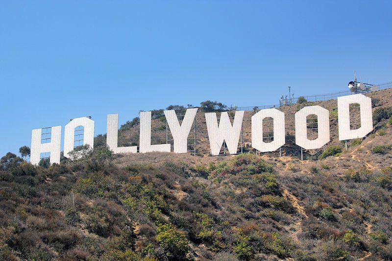 (Le panneau Hollywood, photo de Sörn, 03/08/2007, www.flickr.com, wikipedia)