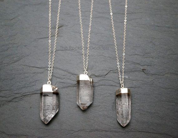Mystique! Pendentif en cristal vendu avec sa chaine.