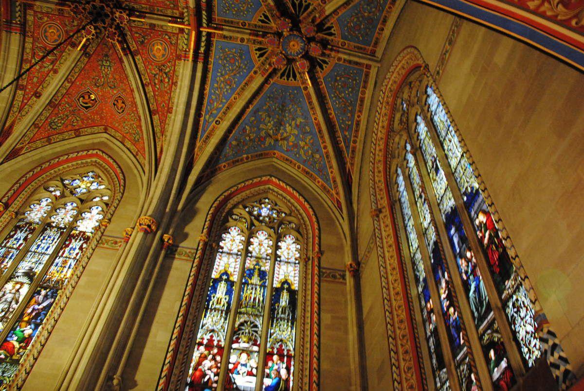 intérieur de la chapelle des Macchabées à genève. Cette chapelle, accolée à la cathédrale a été fondée par Jean de Brogny en 1397