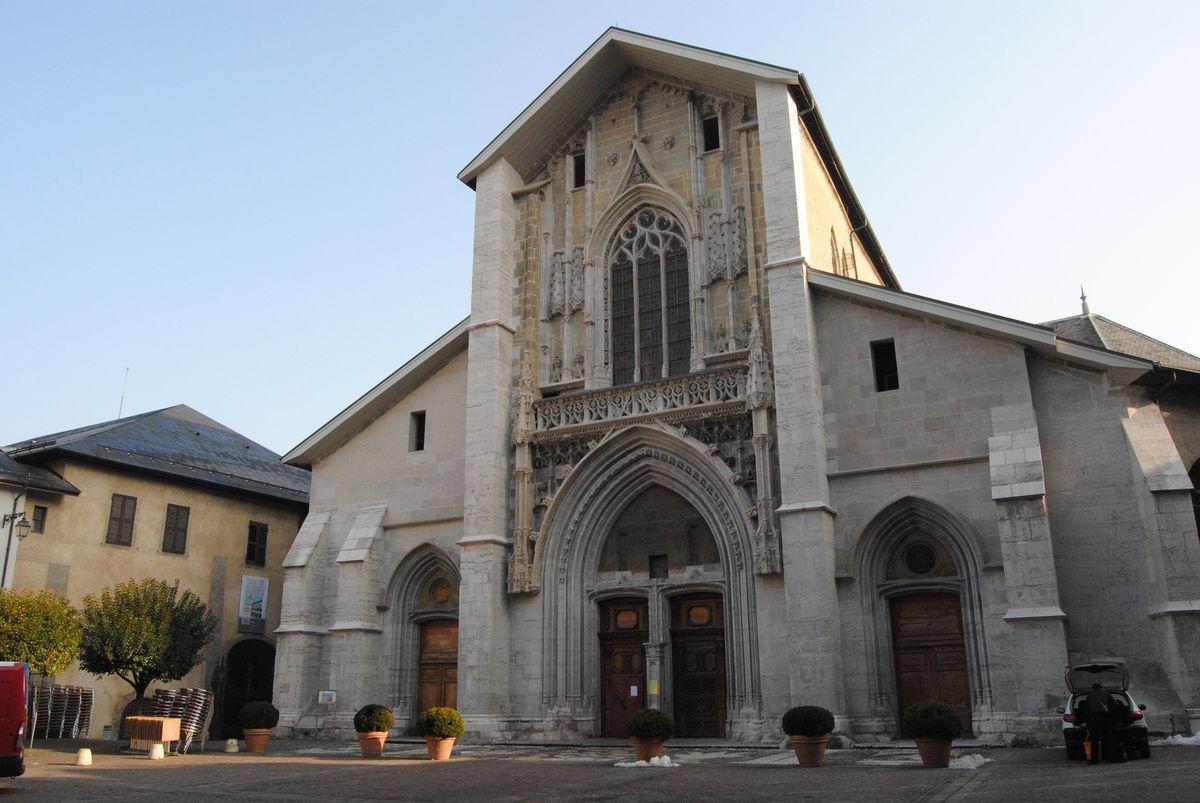 façade du couvent des franciscains conventuels (1500 environ) (Photo E. Coux)