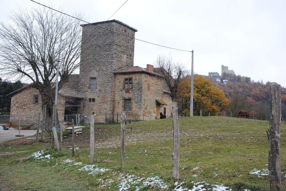Maison forte d'Allinges près du château de Fallavier (photo Emmanuel Coux)