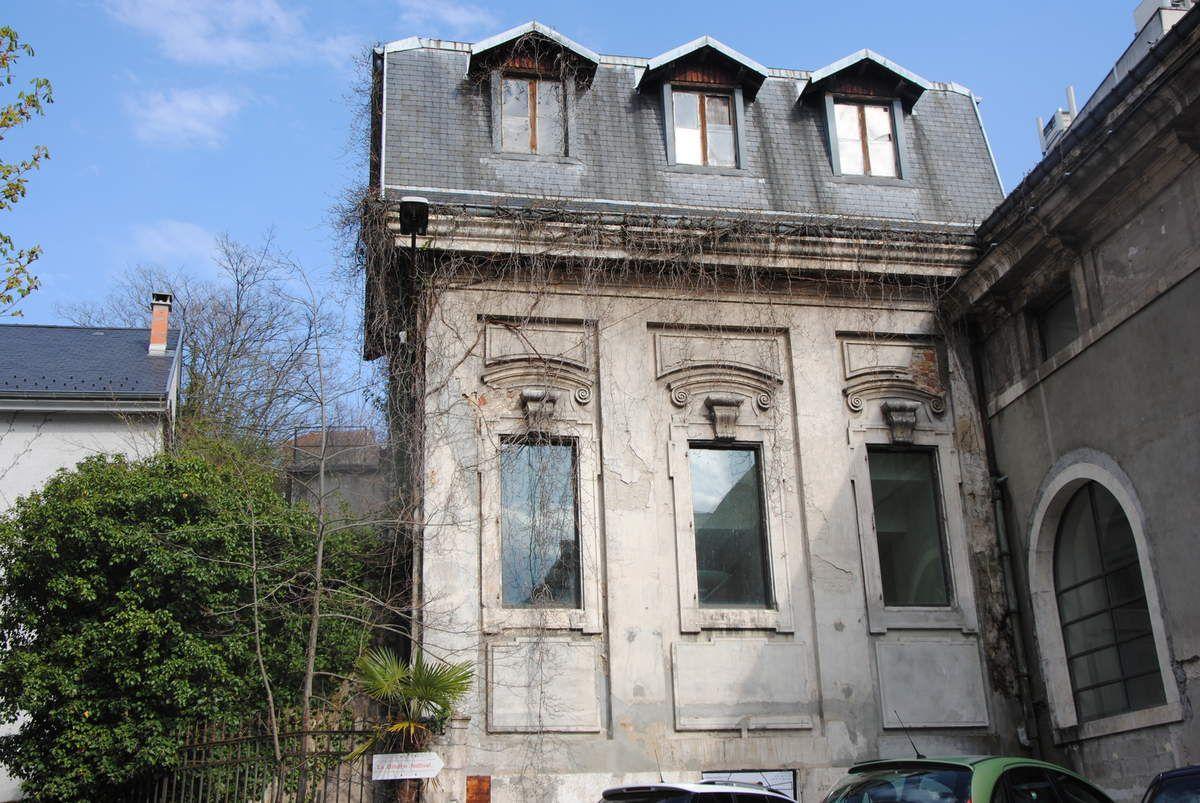 reste du bâtiment des thermes du XVIIIe siècle