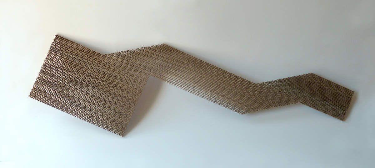 Chiamp, 2019 carton cannelé 91 x 24 x 0,7cm                450€