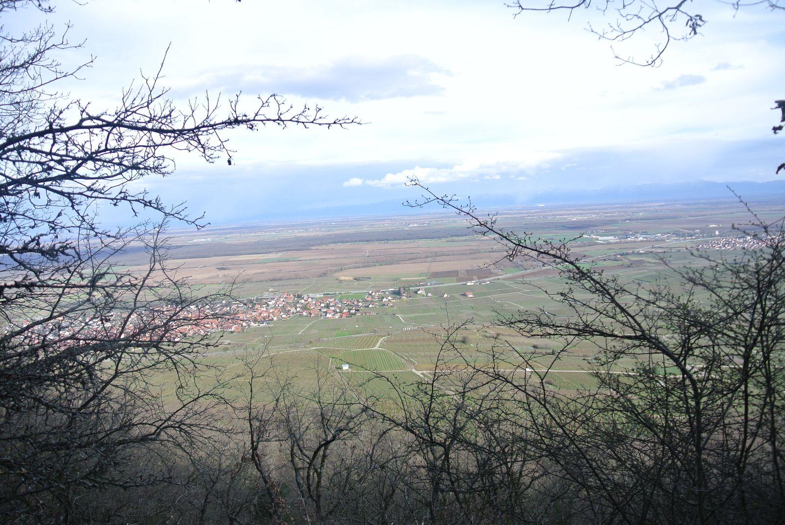 Retour vers le Schauenberg par le chemin surplombant toute la plaine, les appareils photos sont en mode panorama.