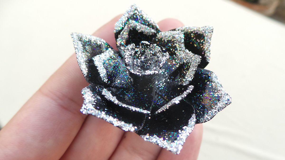 Créer une bague fleur en papier