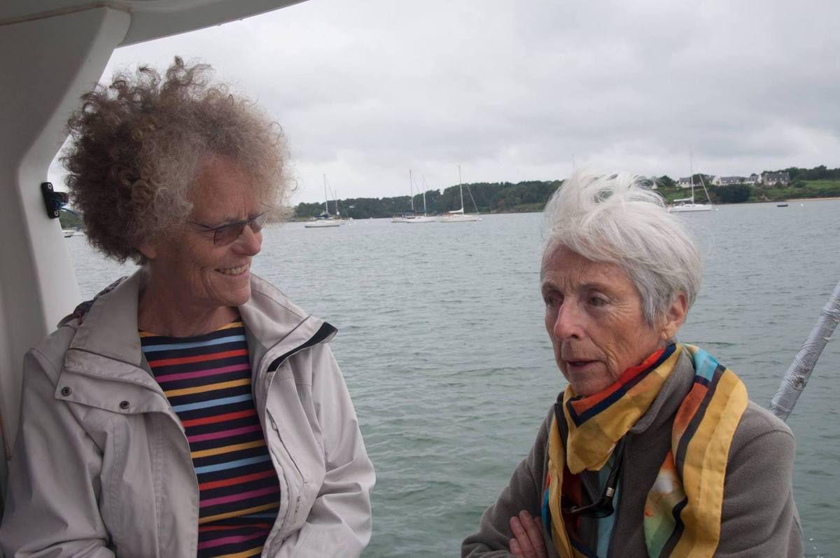Véronique et Iléana, compagnes de Bernard Moitessier